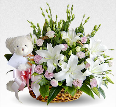 24 White Flowers with White Teddy