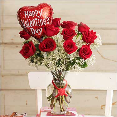 Heart+12 red roses in vase